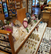 One-Stop Shopping  at National Parks <br>The Most Popular Gifts at Caves, Caverns and Waterparks