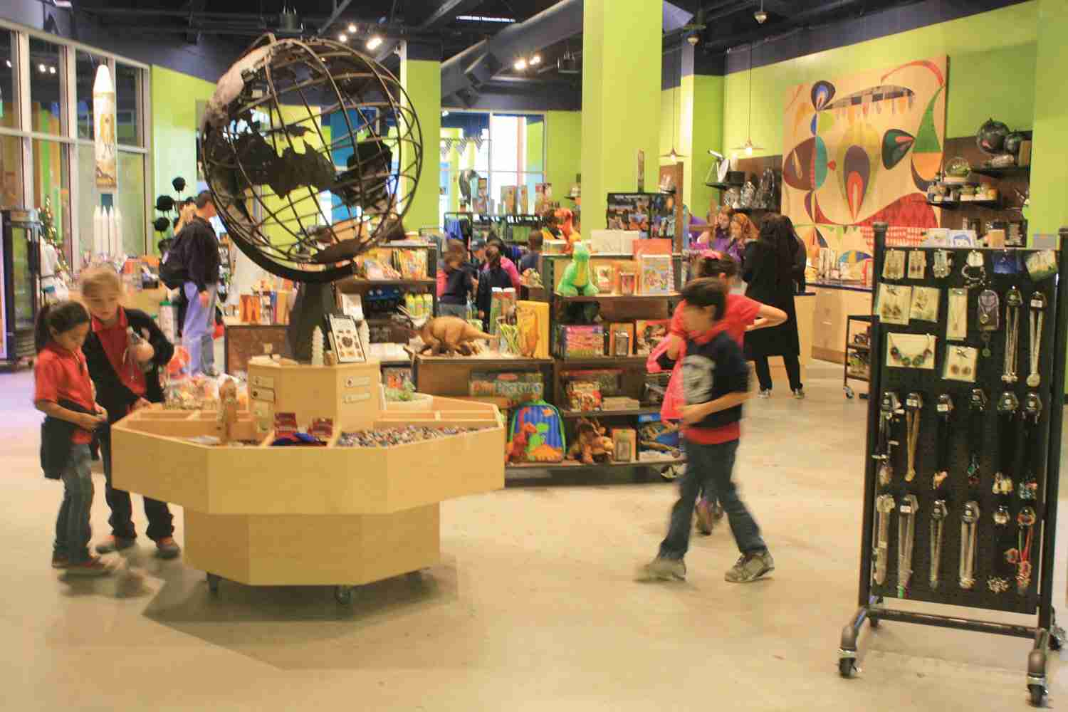 It's Child's Play <br> Selling More Toys and Games that Complement  Museum and Attraction Exhibits