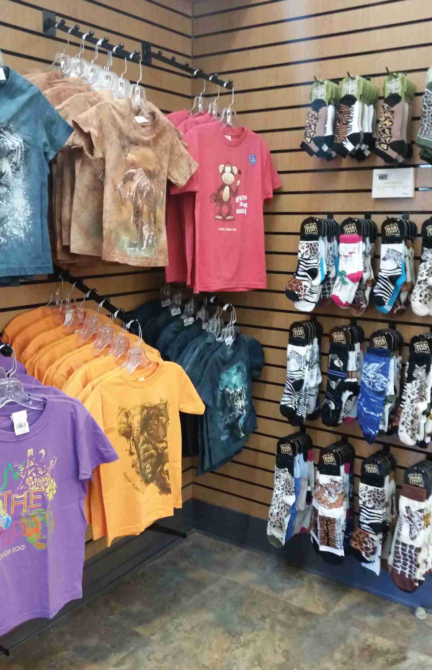 Fashion Accessories at Zoos<br> Selling Sunglasses, Socks and Hats