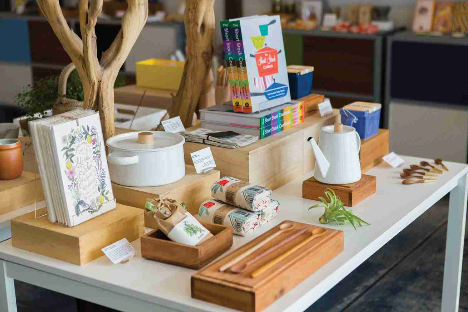 Bringing the Sales Home<br>  Home Decor Display Advice from Gift Stores