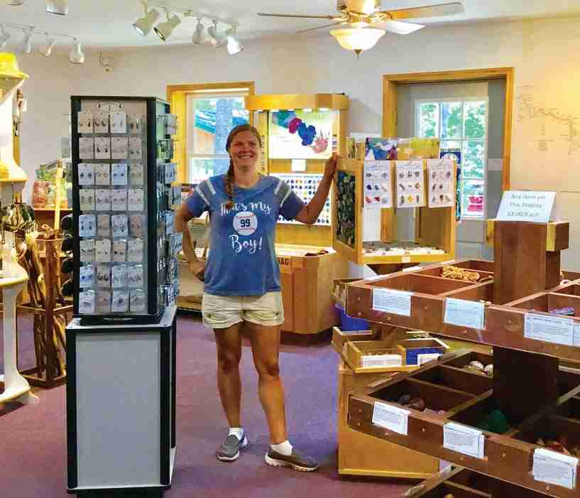 Lighting, Customer Service and More <br> Merchandise Selling Tips from Caves and Caverns