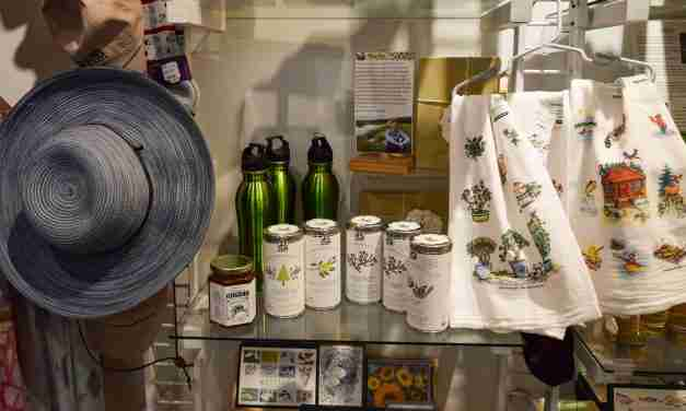 Flower Fever <br> Best-Selling Apparel with a Botanical Theme at Botanical Garden Gift Shops