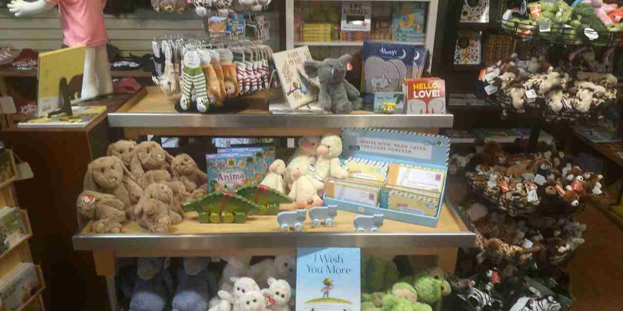 Spotlight on Souvenirs – What Are the Current Trends at Zoos and Aquariums?