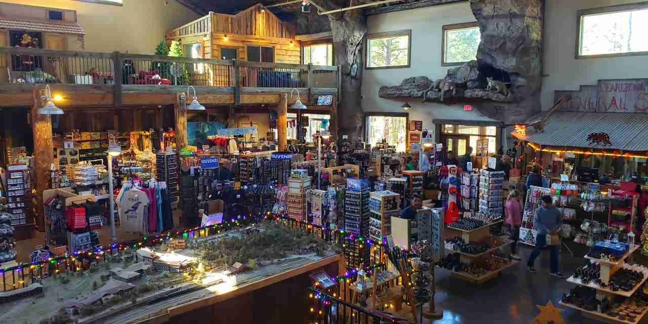 Souvenirs and Gifts at Zoos <br>Which Wildlife Souvenirs Are Selling at Zoos