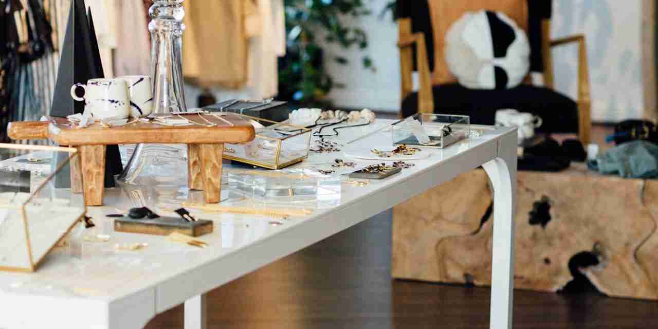 Where Customer Service Conquers<br>  Selling More Apparel at Boutiques
