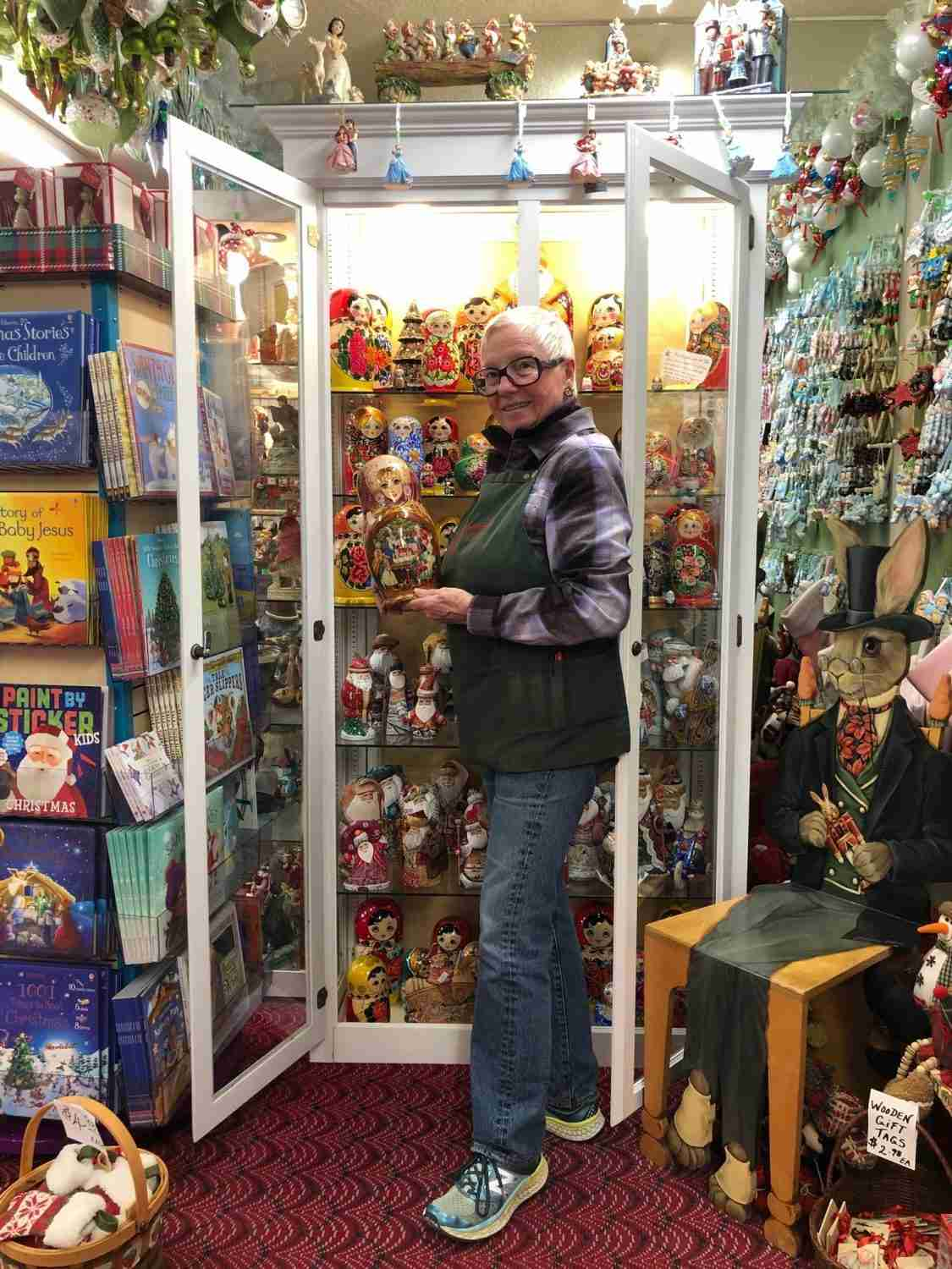 Where Sales Can Be Jolly Year Round Christmas Merchandise At Year Round Christmas Stores Souvenirs Gifts Novelties Magazine