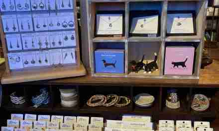 Where Beautiful Locales Meet Stylish Adornments <br>Jewelry at Resort and Beach Stores