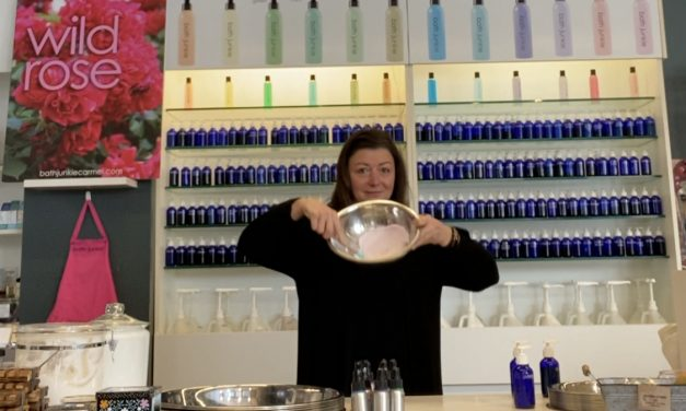 Bringing Home Scented Soaps and Candles – Selling Tips from Gift Stores